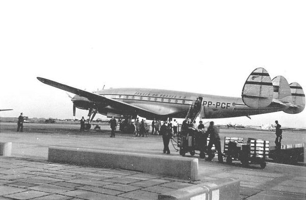 PP_PCF_Orly_2 (Panair do Brasil. Lockheed L.049-46-26 Constellation, registro PP-PCF, cn 2049)