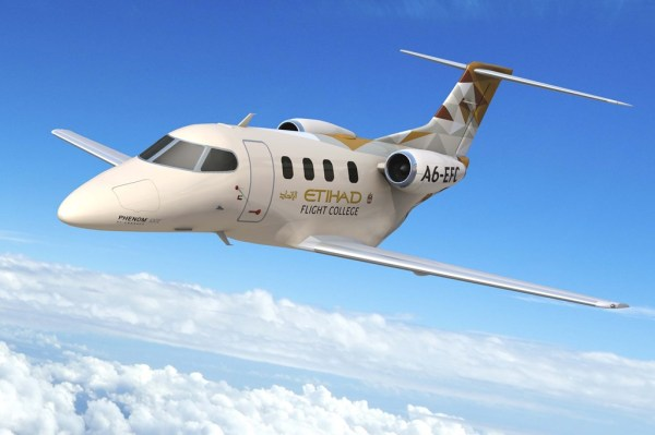 Phenom 100E da Etihad Flight College. (Foto: Embraer)