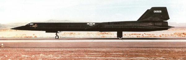 O quinto exemplar, Article 125 (60-6928), momentos antes da decolagem, na Área 51 - Lockheed Martin