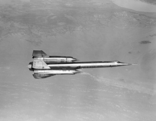 The first A-12, Article 121 (60-6924), piloted by Louis Schalk takes off from Groom Lake in 1962 (2)