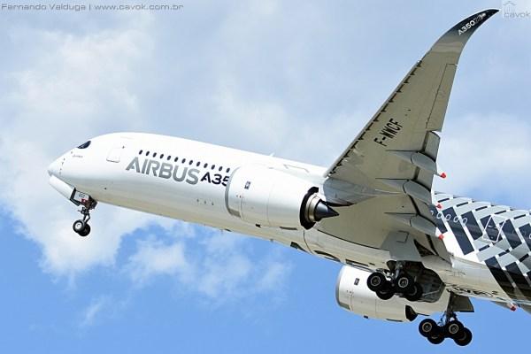 Belissíma apresentação em voo do novo Airbus A350 XWB. (Foto: Fernando Valduga / Cavok Brasil)