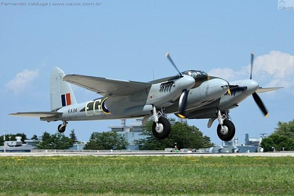 """O recém restaurado de Havilland Mosquito DH.98 """"Wooden Warrior"""". (Foto: Fernando Valduga / Cavok Brasil)"""