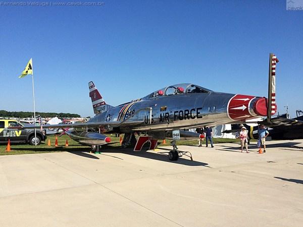 O F-100F Super Sabre permaneceu na estática junto aos destaques dos warbirds. (Foto: Fernando Valduga / Cavok Brasil)