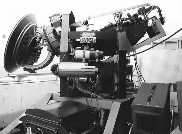 O radar Hughes ASG-18 antes de ser instalado no nariz do Snoopy I - Hughes Aircraft