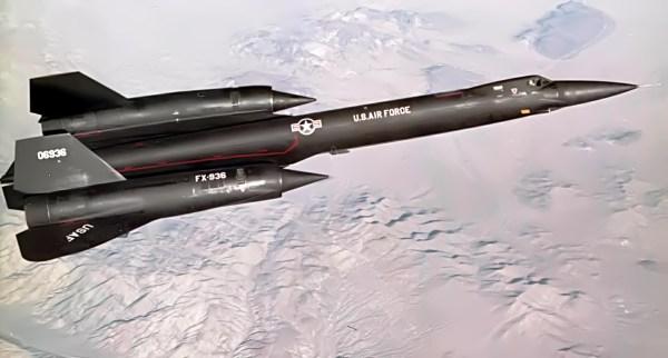 Terceiro protótipo do Lockheed AF-12 (YF-12A), Artigo 1003 (60-6936), durante a realização de um voo de testes / Lockheed Martin