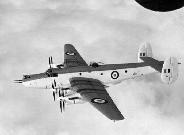 Fora da URSS o único país que operou aeronaves com hélices contra-rotativas foi a Grã Bretanha. Na imagem o Avro Shackleton.