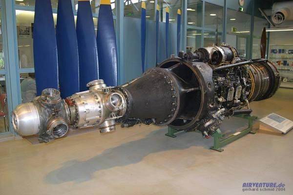 A Tupolev dotou o Tu-95 Bear com o motor NK-12MV Kuznetsov gerando 14.795 shp de potência.