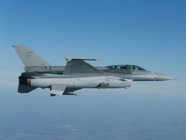 F-16D_Cingapura #2
