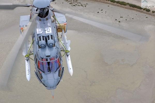 Helicóptero H225M francês armado com mísseis Exocet. Sistema da versão Operacional dos helicópteros da Marinha realizou em laboratório a simulação de disparos do míssil. (Foto: Anthony Pecchi / Airbus Helicopters)