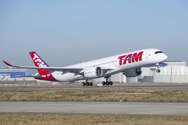 A350 TAM 01 - BRASIL: Em crise, cias aéreas devem ter primeira retração em 13 anos