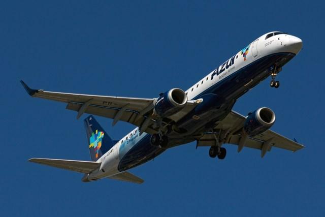 pr azl azul linhas areas brasileiras embraer erj 190ar erj 190 100 igw Junio Gracielo - BRASIL: Em crise, cias aéreas devem ter primeira retração em 13 anos