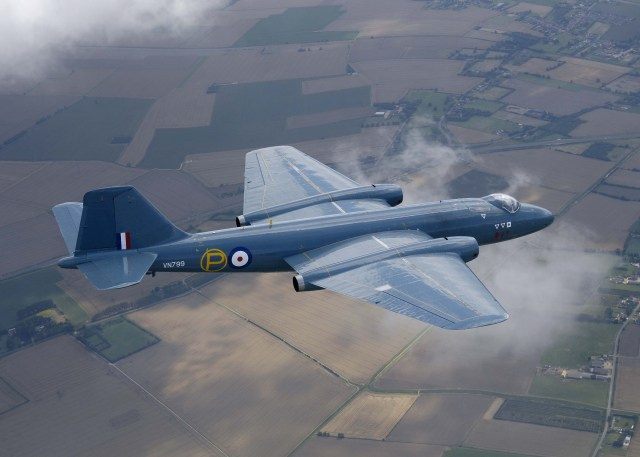 Canberra_T.4_MOD_45144928