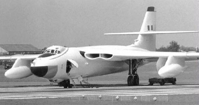 """O Vickers Valiant, construído para servir provisoriamente até que os outros bombardeiros """"V"""" entrassem em serviço."""