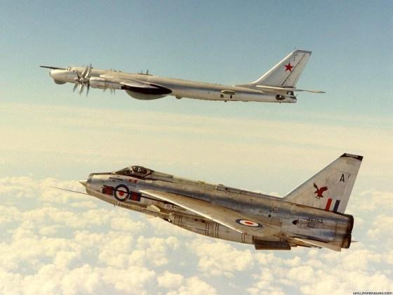 "Lightning Tu 95 - Bombardeiros do pós-guerra: Tupolev Tu-95 ""Bear"""