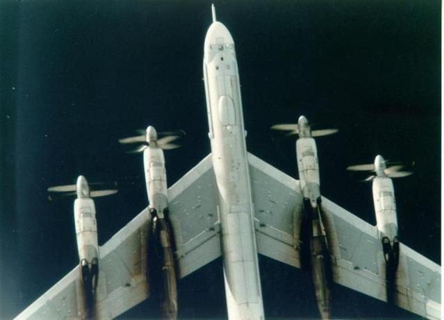 "tu 95h 4 - Bombardeiros do pós-guerra: Tupolev Tu-95 ""Bear"""