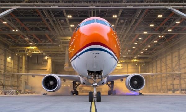 A aeronave foi apresentada no dia 14 de junho, em Amsterdã. (Fotos: KLM)