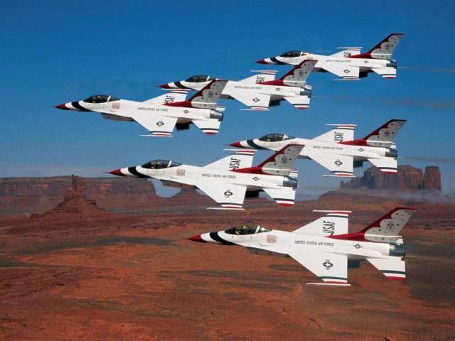 Acidente com caça F-16 pertencente aos Thunderbirds nos EUA (4)