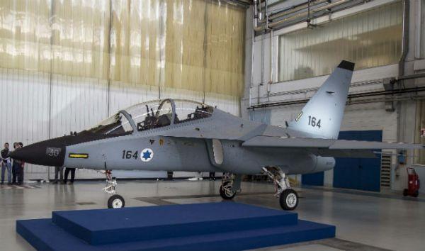 O último jato de treinamento M-346 Lavi destinado para Força Aérea de Israel. (Foto: Leonardo-Finmeccanica)