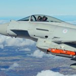 Caça Eurofighter dispara míssil SPEAR pela primeira vez