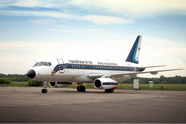Uma das duas aeronaves Sukhoi Business Jet recebidas pela Real Força Aérea da Tailândia.