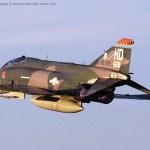 AIRVENTURE:  Acompanhe em vídeo a chegada do QF-4E Phantom II de dentro do cockpit