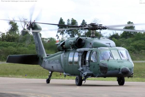 Um Black Hawk do Esquadrão Pantera pousa na Base Aérea de Canoas. (Foto: Fernando Valduga / Cavok)