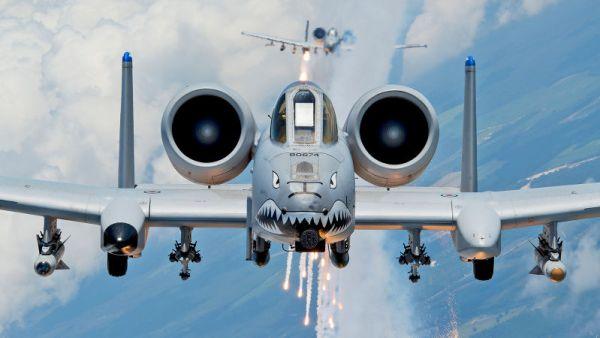 A Força Aérea dos EUA precisa encontrar um substituto para os letais A-10 Warthogs, mas poderá precisar de duas aeronaves. (Foto: U.S. Air Force)
