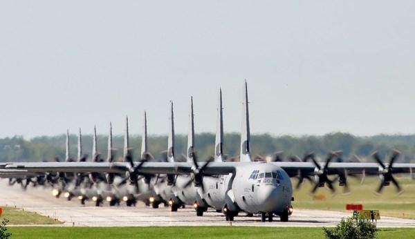 A Lockheed Martin recebeu um contrato que prevê a fabricação de mais de 100 aeronaves C-130 até 2026. (Foto: Canadian Armed Forces)