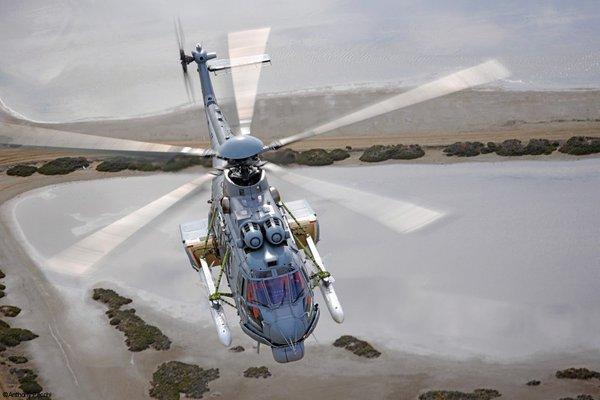 O Kuwait quer armar seus helicópteros H225M recentemente adquiridos com mísseis antinavio. (Foto: Anyhony Pecchi / Airbus Helicopters)