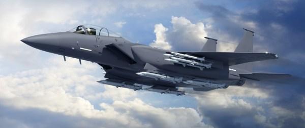 Caça F-15 armado com 16 mísseis ar-ar, de médio e curto alcance. (Foto: Boeing)