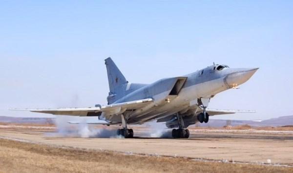 Bombardeiros russos Tu-22M3 deixaram a base aérea no Irã e retornaram para a Rússia.