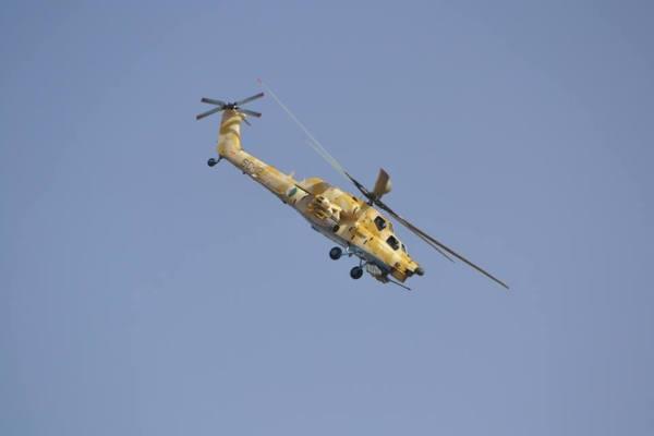 Um helicóptero de ataque Mi-28NE da Força Aérea da Argélia durante exercício militar realizado no dia 29 de agosto de 2016.