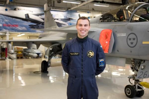 O piloto de testes da Saab, Marcus Wandt, durante a visita que o Cavok Brasil participou em abril deste ano.