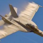 Caças Super Hornet e Growler da USN vão voltar à operação após suspensão de voos