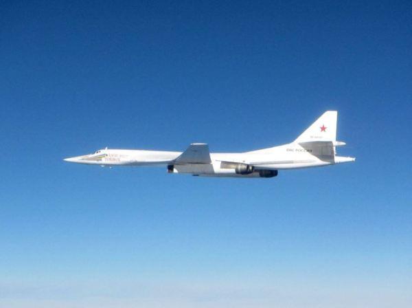 O bombardeiro Tupolev Tu-160 Blackjack, fotografado durante interceptação sobre a costa da Escócia no dia 22 de setembro. (Foto: RAF / UK MoD)