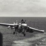 Uma incrível e muito sortuda história do A-6 Intruder!
