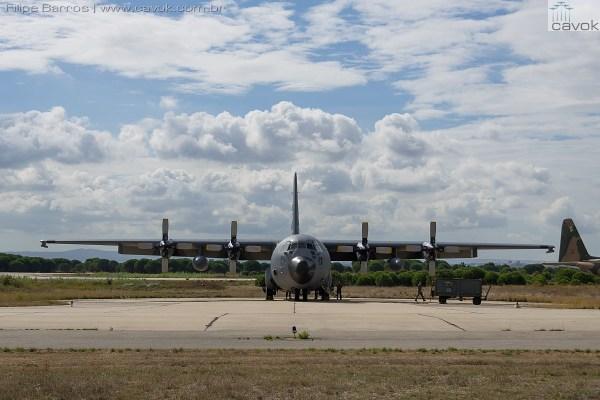 """As aeronaves C-130H """"Bisontes"""" no Montijo. (Foto: Filipe Barros / Cavok)"""