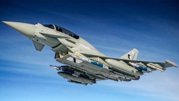 Um novo pacote de melhorias chamado de Centurion comeca a ser testado operacionalmente com caças Eurofighter Typhoon da RAF.