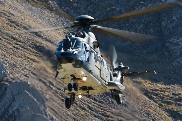 Força Aérea Suíça retoma voos dos helicópteros AS.332 Super Puma.