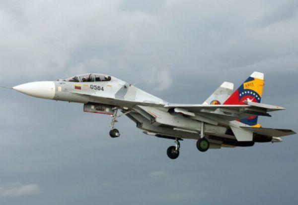 Dois caças Su-30 da Força Aérea Bolivariana da Venezuela se aproximaram do 787 da Avianca e fizeram com que o jato comercial saísse do seu país.