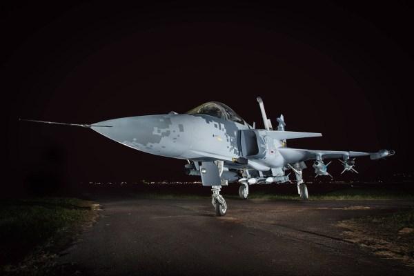 O programa FX-2 que adquiriu o caça sueco Gripen trará benefícios para aviação comercial brasileira. (Foto: Sgt. Johnson Barros / Agência Força Aérea)