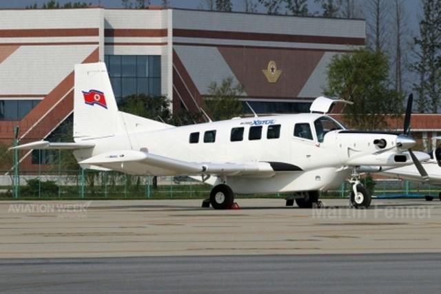 Surpresa A aeronave leve Pacific Aerospace PAC P-750 XSTOL surpreendeu muitos visitantes ocidentais. Não está claro como esta aeronave poderia ter sido obtida, dadas as pesadas sanções impostas às exportações de tais equipamentos.