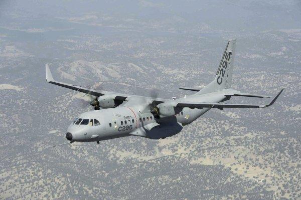 A Aviação do Exército de Bagladesh vai receber uma aeronave de transporte C295W. (Foto: Airbus DS)