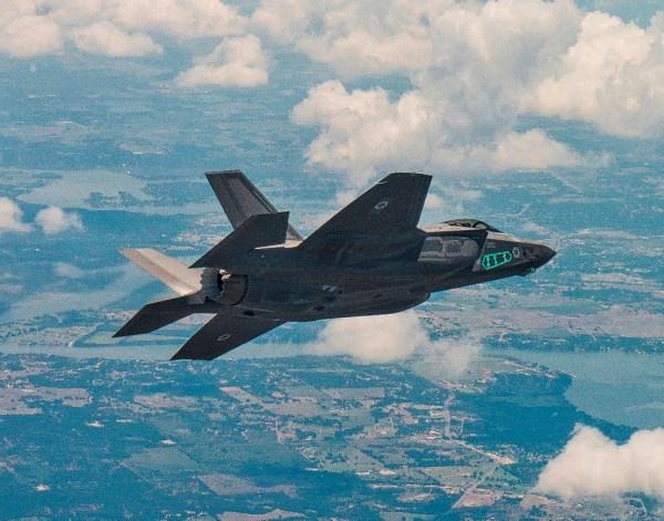 F-35I 'Adir' em seu primeiro voo dia 25 de Julho. Foto: Lockheed Martim/Liz Lutz