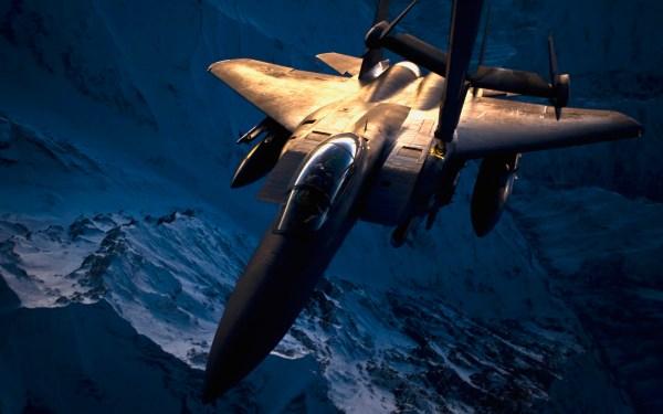 F-15E em REVO sobre algum lugar do Afeganistão.