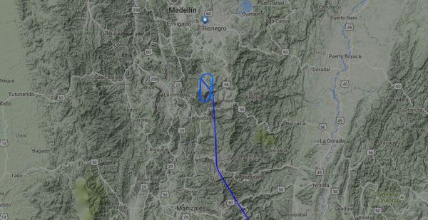 Segundo antes de ter desaparecido do radar, o Avro RJ-85 teria voado em círculos.