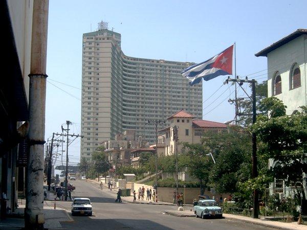 Foto do Hotel Riviera, em Havana, onde ficavam os tripulantes e passageiros durante os sequestros.