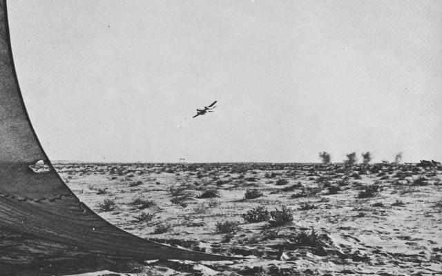 Ilyushin Il-28 ataca posições israelenses.