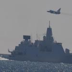 VÍDEO: Jatos russos Su-24, monitorados por Gripens, passam muito próximo de fragata holandesa no Báltico