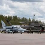 Pilotos checos treinam para combate aéreo contra helicópteros na Suécia